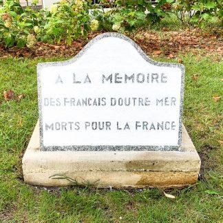 stèle commémorative à la mémoire des français d'outre-mer morts pour la France