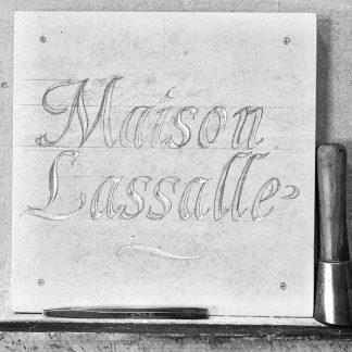 Maison Lassalle - gravure dans la pierre naturelle calcaire