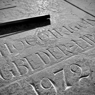 Recreusement et restauration de gravure funéraire